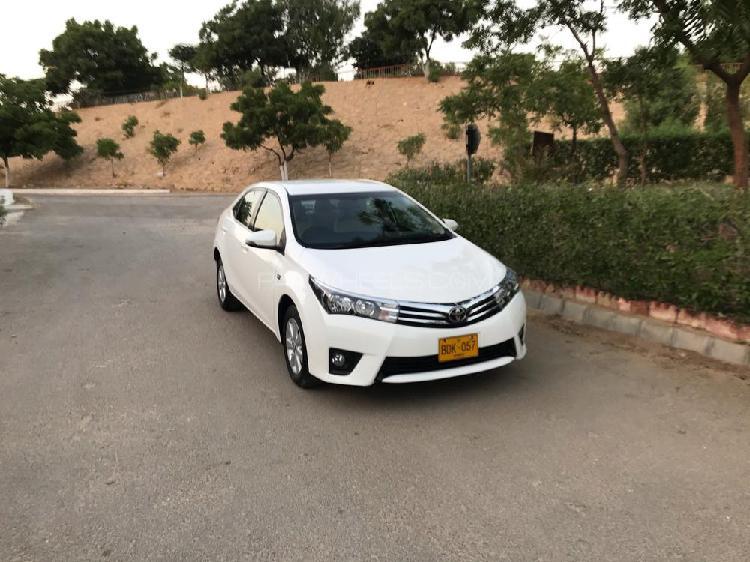Toyota corolla altis cvt-i 1.8 2015
