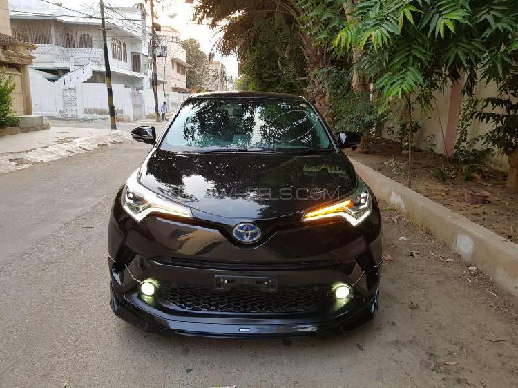 Toyota c-hr g 1.8 2016