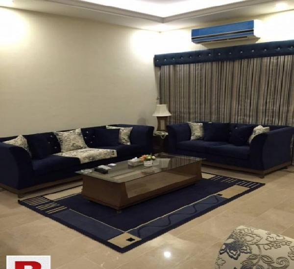 Gulistan-e-jauhar block-12 400 yds 1st floor 4b/dd portion