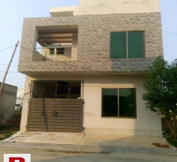 Madian town college road 3 marla home for sale