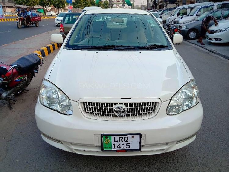 Toyota corolla se saloon automatic 2003