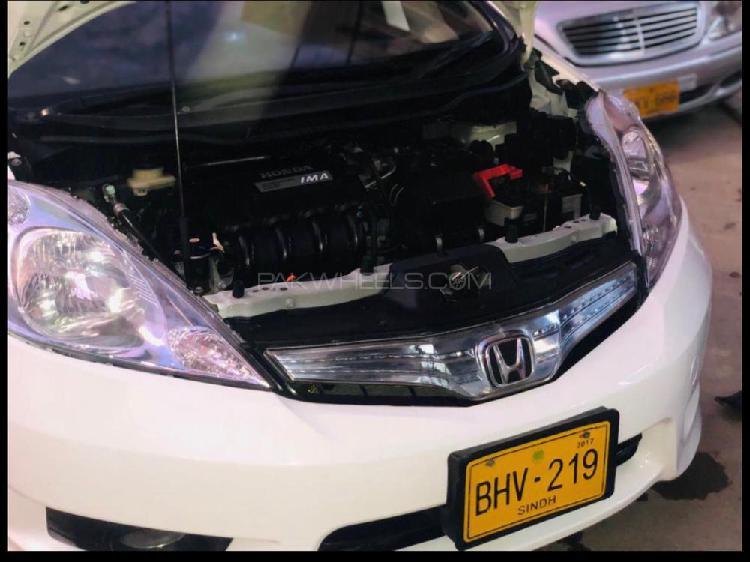 Honda fit 1.5 hybrid base grade 2013