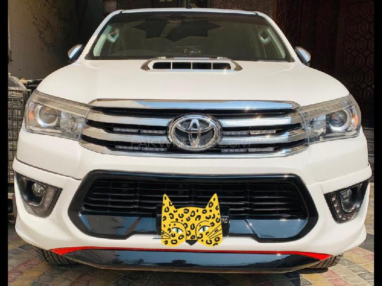Toyota hilux revo g automatic 2.8 2017