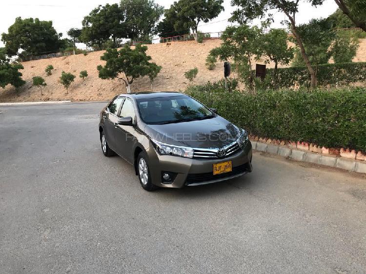 Toyota corolla altis cvt-i 1.8 2017