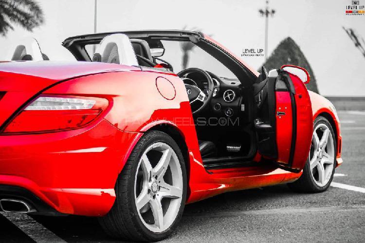 Mercedes benz slk class slk200 2011
