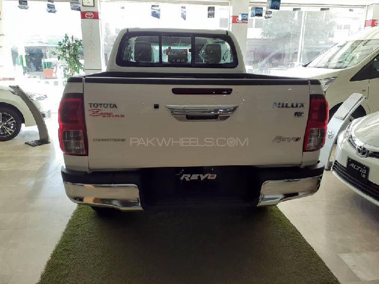 Toyota hilux revo v automatic 2.8 2019