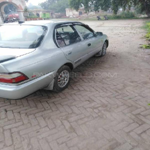 Toyota corolla xe 1995