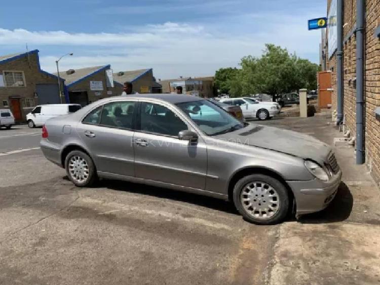 Mercedes benz e class e220 cdi 2005