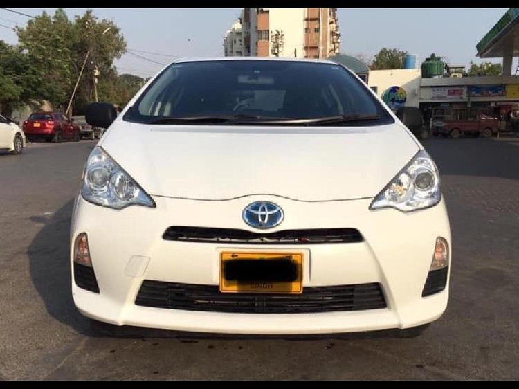 Toyota aqua g 2014