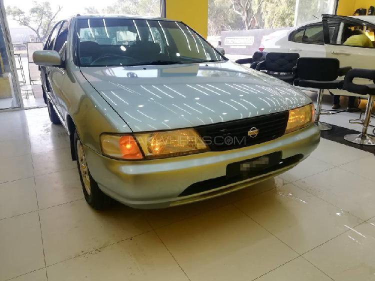 Nissan sunny ex saloon automatic 1.6 1997