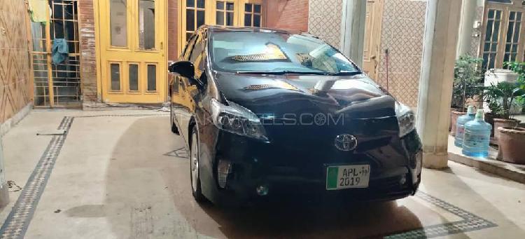 Toyota prius g touring selection 1.8 2014