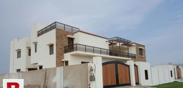 Gulistane Jauhar VIP Block 600 yds Old Bungalow for Sale in