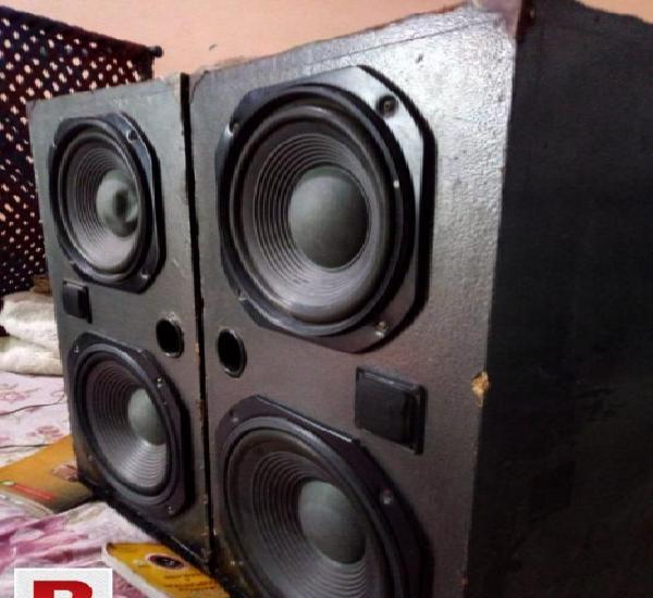 Pioneer woofer speakers. 9500