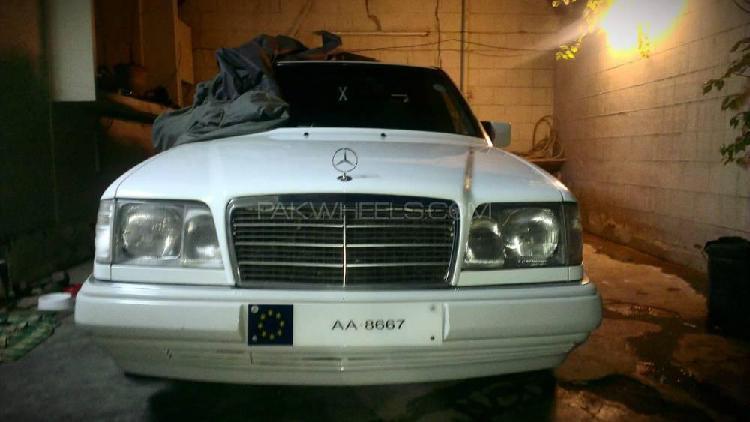 Mercedes benz e class e220 1993