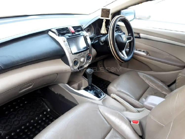 Toyota hiace grand cabin 2014