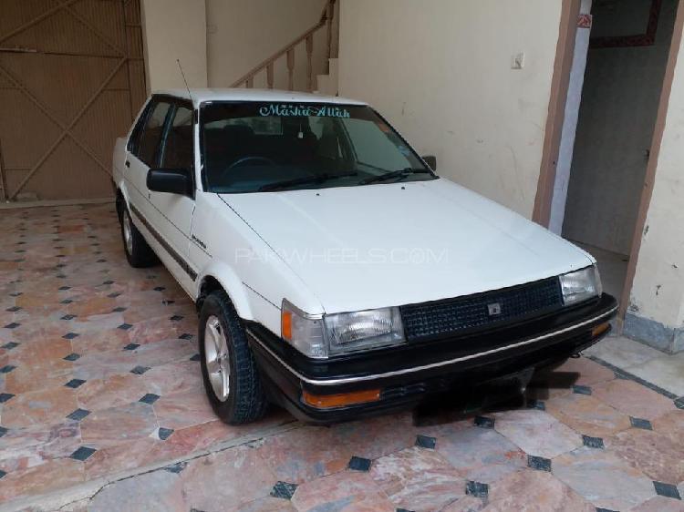 Toyota corolla gl saloon 1986
