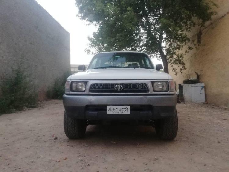 Toyota hilux double cab 2000