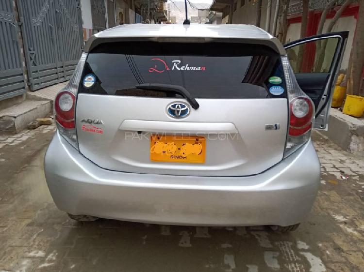 Toyota aqua l 2014