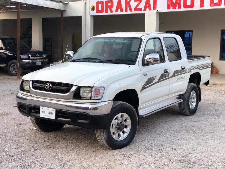 Toyota hilux double cab 2004