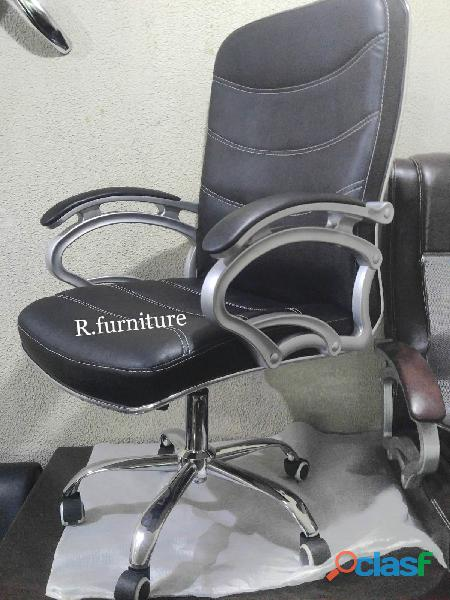 R 200 Executive office chair Islamabad & Rawalpindi