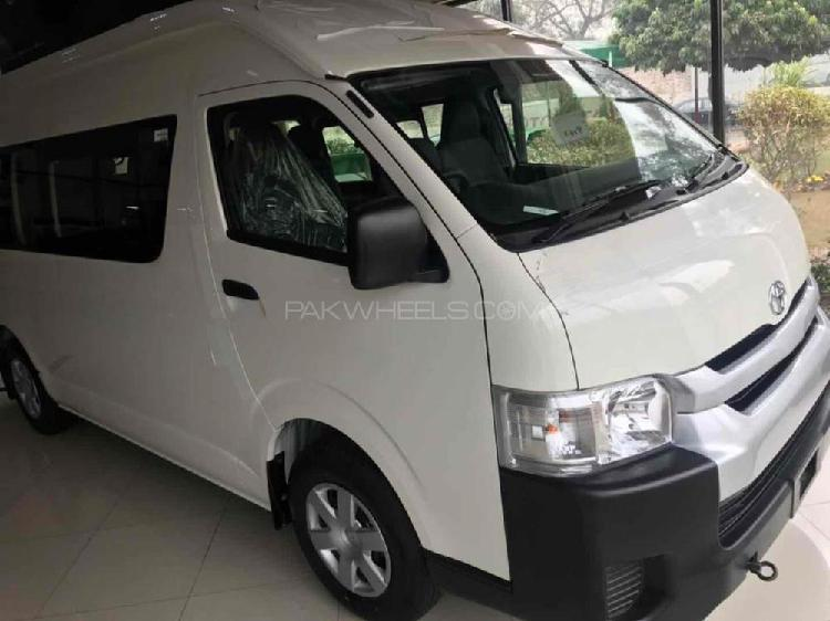 Toyota hiace high roof commuter 2019