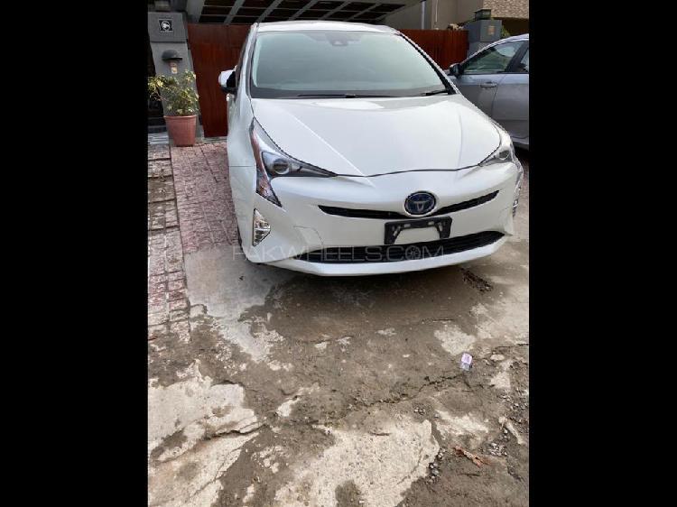 Toyota prius a premium 2016