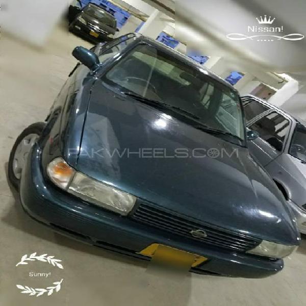 Nissan sunny ex saloon 1.3 1993