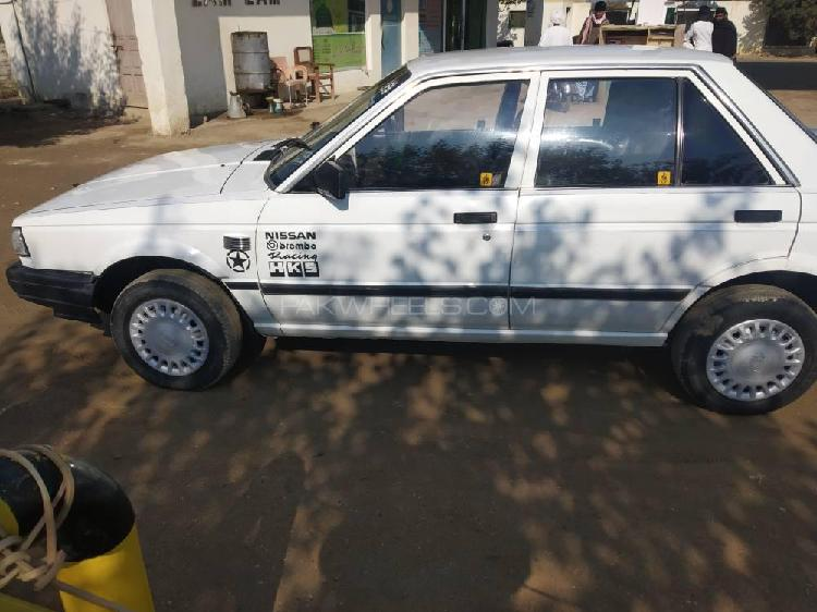 Nissan sunny ex saloon 1.3 (cng) 1987
