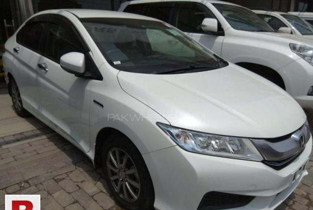 Honda Grace Hybrid DX 2015 Get On Easy Monthly Installment