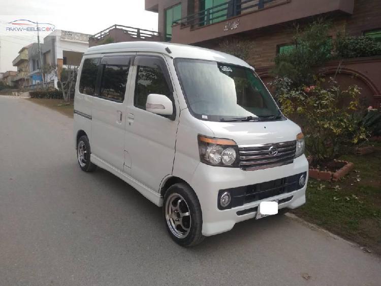 Daihatsu atrai wagon 2010