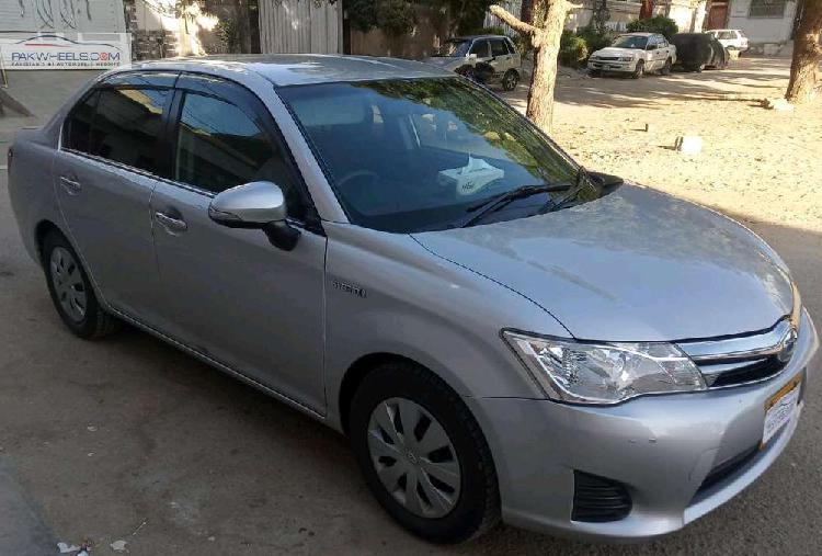 Toyota corolla axio g 2013