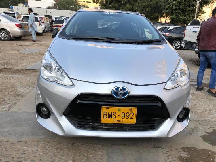 Toyota aqua g 2015