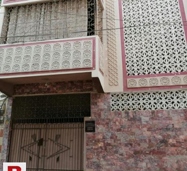 Prime location of block 17 fb area steps away from gulberg