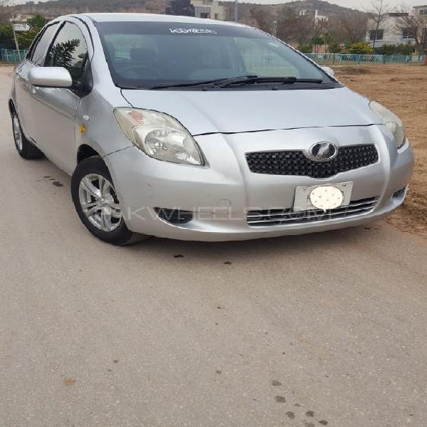Toyota vitz b 1.0 2006