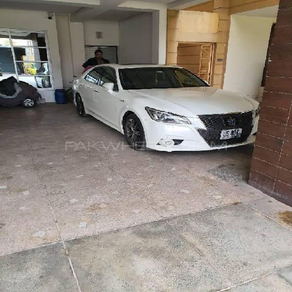 Toyota crown athlete g package 2013