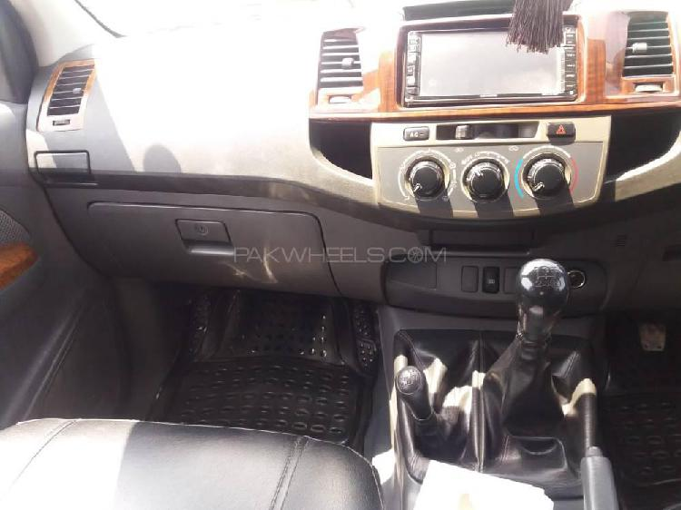 Toyota hilux 4x2 single cab standard 2014