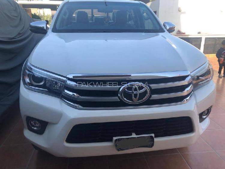 Toyota hilux revo v automatic 3.0 2018