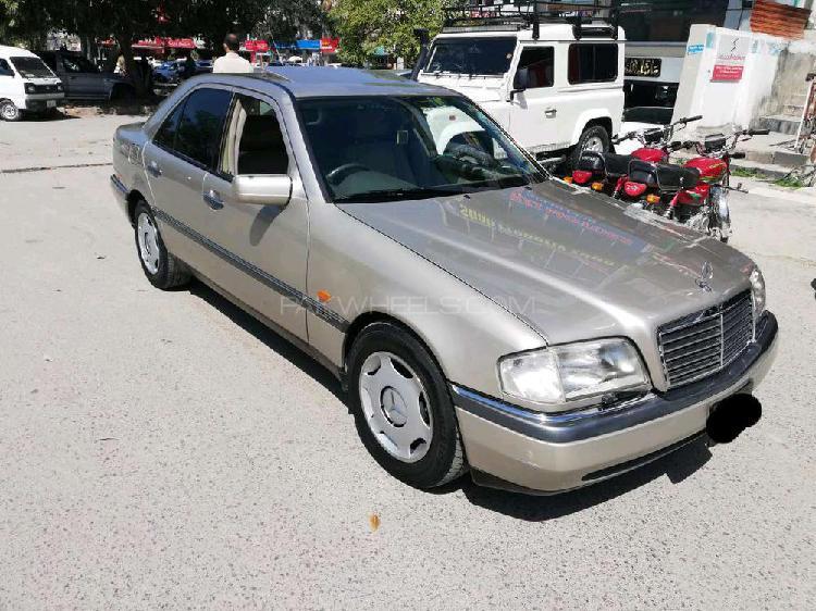 Mercedes benz c class c220 1995
