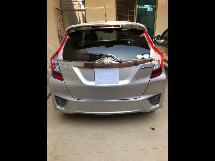 Honda fit 1.5 hybrid s package 2015
