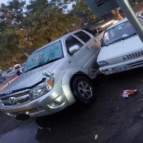 Toyota hilux vigo v 2008