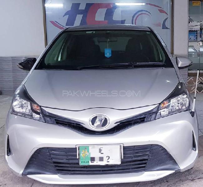 Toyota vitz f smile edition 1.0 2014