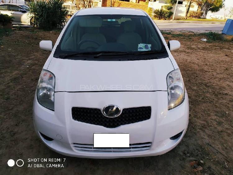 Toyota vitz f 1.0 2007