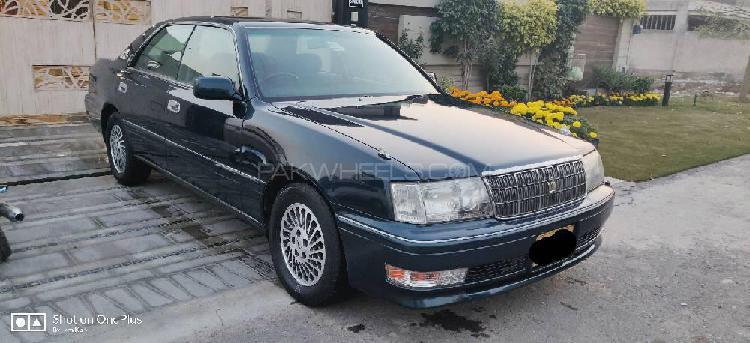 Toyota crown royal saloon 1996