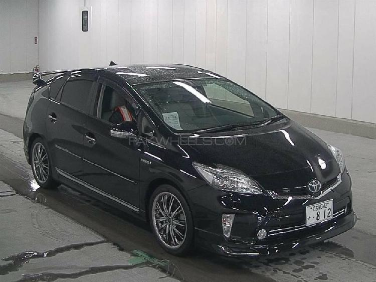 Toyota prius g touring selection leather package 1.8 2015