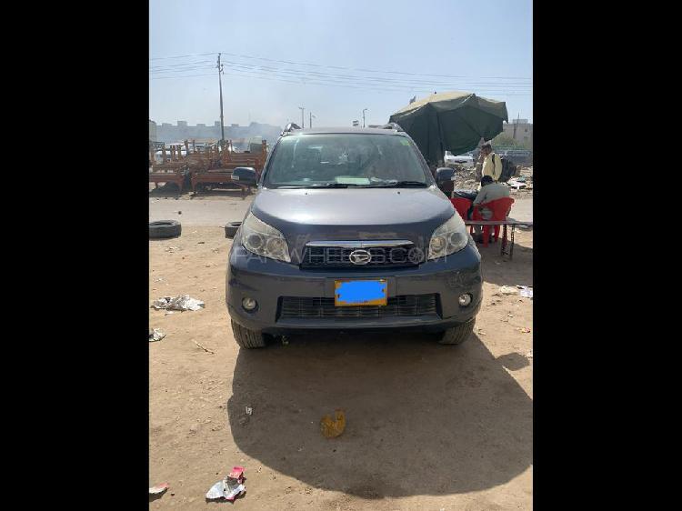 Daihatsu terios 4x2 automatic 2013
