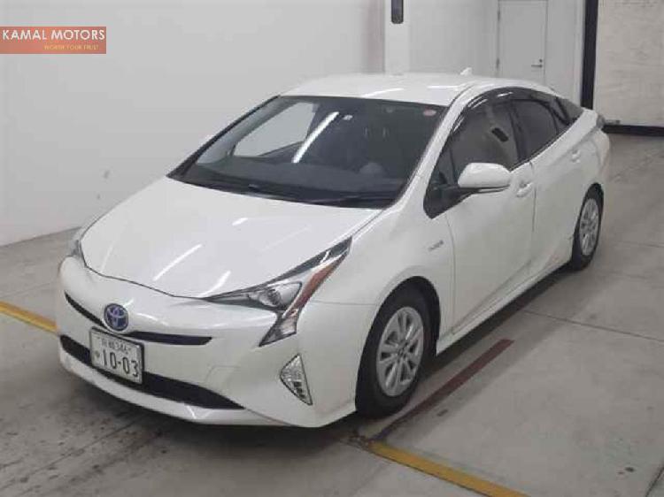 Toyota prius s 2016