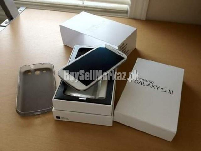 Brand new factory unlocked samsung galaxy s3 bbm chat 24hrs: