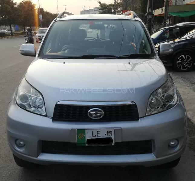Daihatsu terios 4x2 automatic 2012