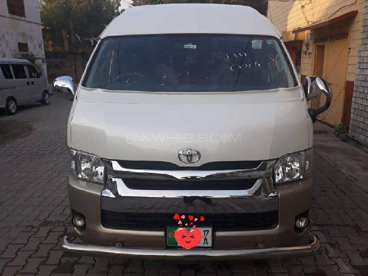 Toyota Hiace Grand Cabin 2015