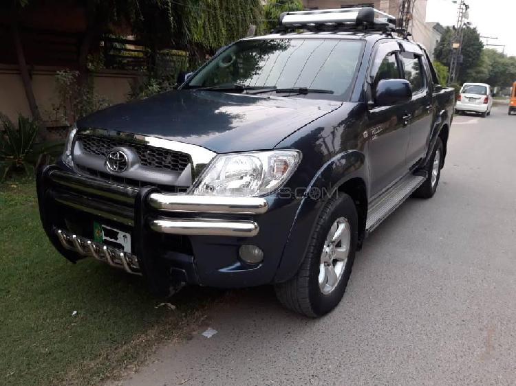 Toyota hilux vigo champ v 2011